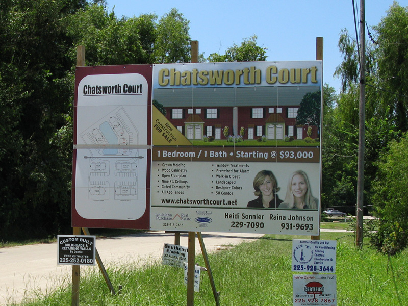 Chatsworth Court Sign